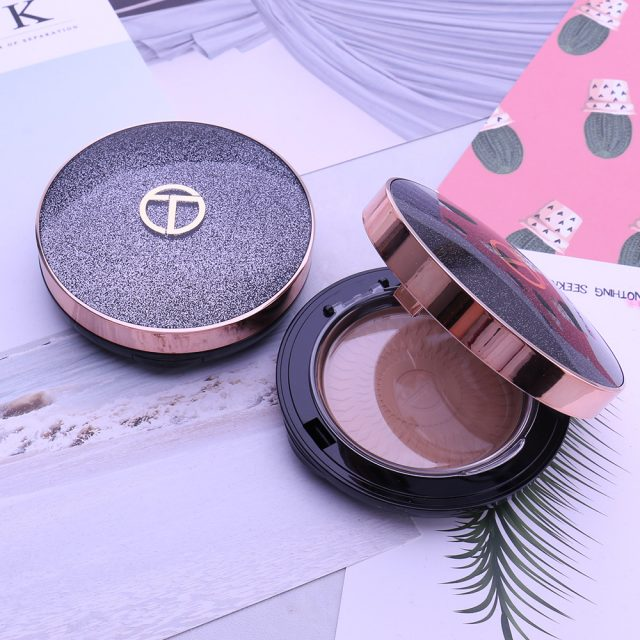 Mineral Foundation Pressed Powder With Puff